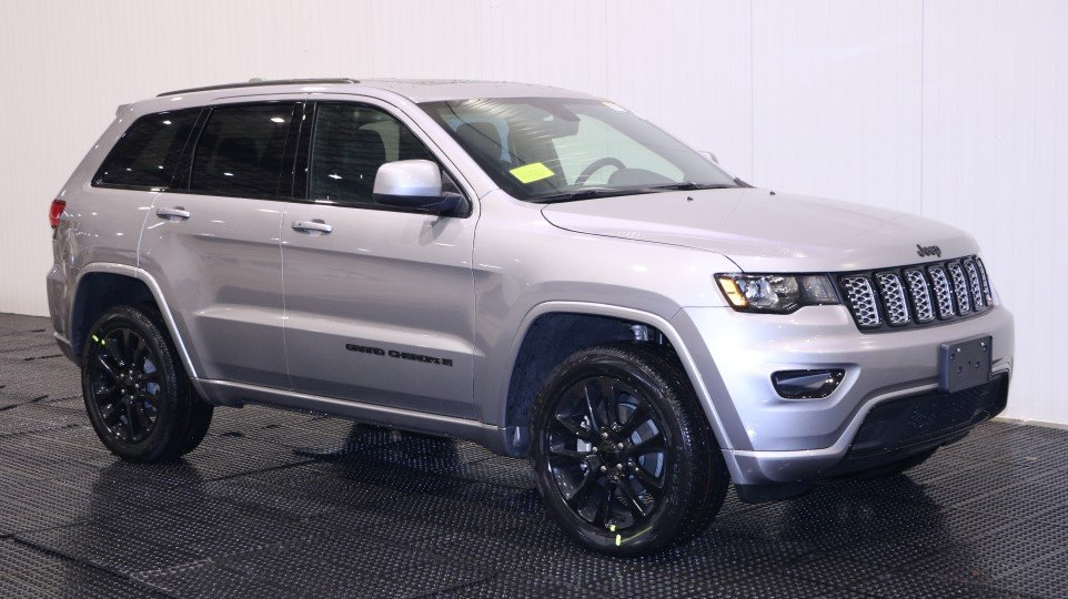 New 2018 Jeep Grand Cherokee Altitude Sport Utility in ...