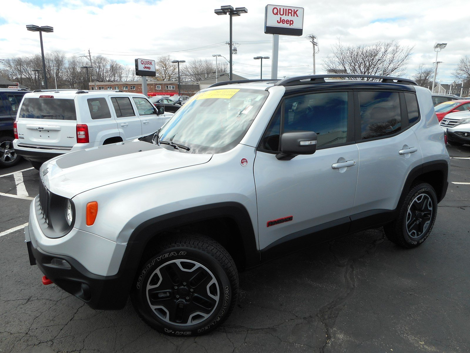 certified pre owned 2015 jeep renegade trailhawk sport utility in boston j14094a quirk jeep. Black Bedroom Furniture Sets. Home Design Ideas